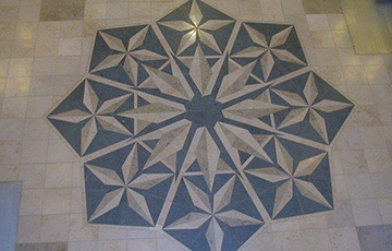 Porcelain tile flower design